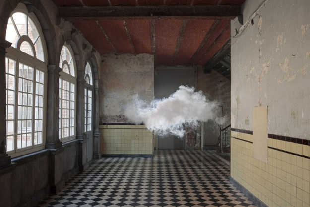Artist Recreates a Cloud, Only It's Indoors (VIDEO)