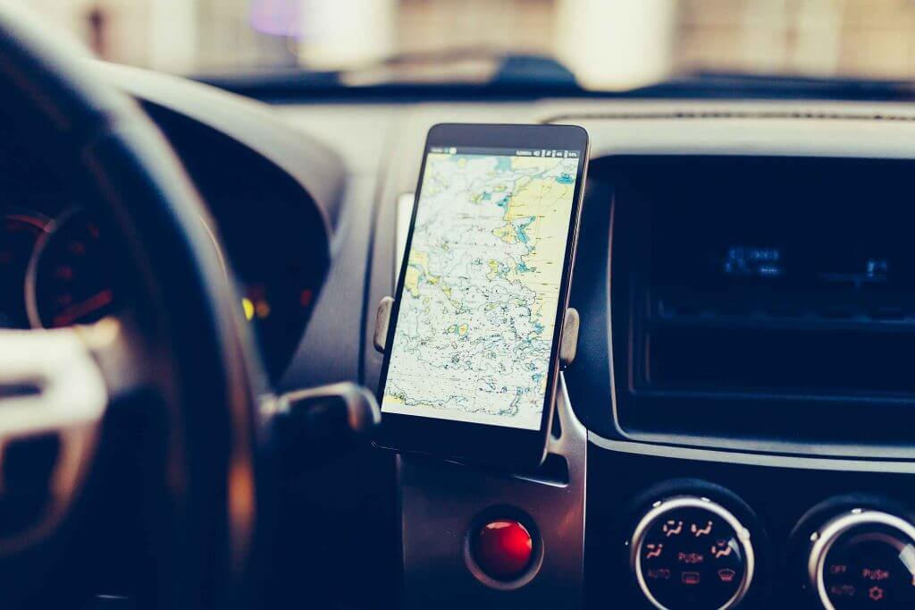 Use Your Old Smartphone as a Sat Nav